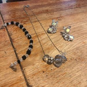 Jewelry - Earrings, bracelet and a necklace